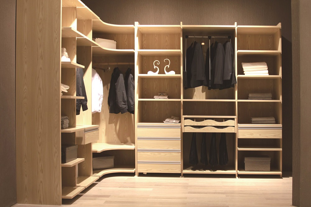 Wood wardrobe-WALKIN CLOSET  01