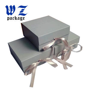 China Fancy Design Sliver Color Foldable Paper Gift Box With Ribbon Factory