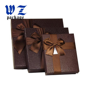 Custom Printing Cardboard Packaging Lid And Base Glod Chocolate Box With Ribbon