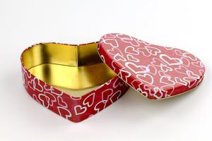 professional heart shape chocolate tin packaging  supplier