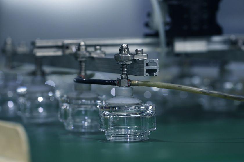 Le mécanisme de curseur du moule à deux couleurs est accordé un brevet de modèle d'utilité
