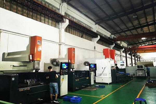 plastic injection mold factory equipment