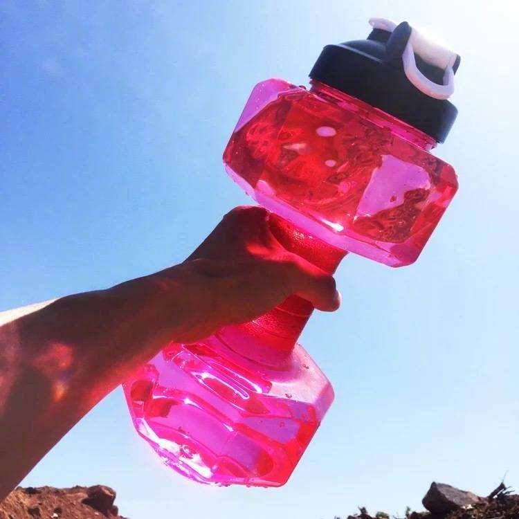 Hervidor de agua de plástico