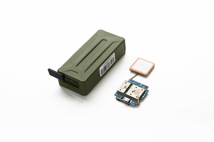 GPS Magnet Tracker AT-17