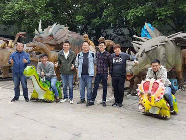 HaiChuan with customers from Singapore Universal Studio