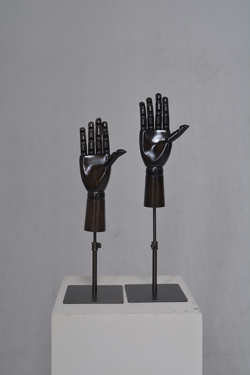 Customized black wooden mannequin hand display (EH)