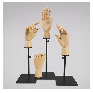 Customized hand mannequin for gloves