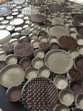 Round design glass ceramic tiles for bathroom