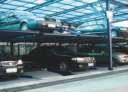 Roadway stacking stereo garage