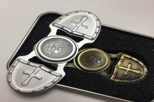 2017 Trending Products Crusader EDC Hand Spinner Hybrid Bearing
