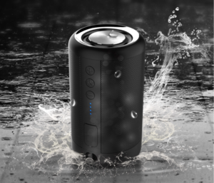 2018 Portable IPX5 waterproof bluetooth speaker Powered by 1500MAh battery with USB hub for charging smartphones & tablets