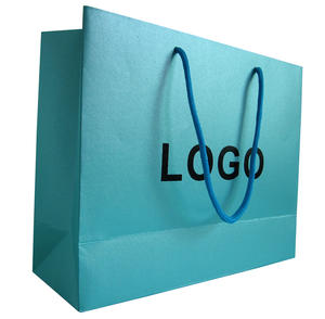 luxury paper bag with pearlized effect art paper