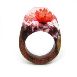 Manufacture high quality wood&resin ring best price amber jewellery(dried flower resin ring)