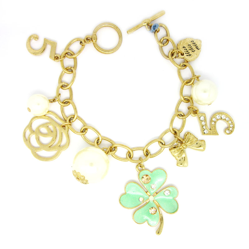 custom made manufacturers of charm bracelets suppliers. Black Bedroom Furniture Sets. Home Design Ideas
