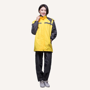 China customized Waterproof Sports Suit manufacturer