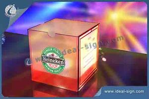 Wholesale personalized illuminated acrylic menu stand cube shape menu displays