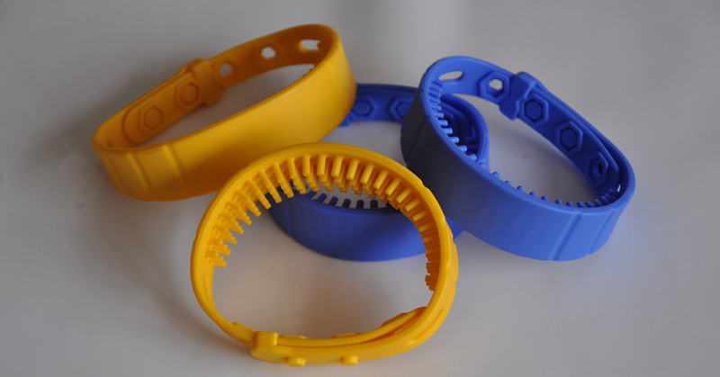 long range uhf silicone wristband rfid tag