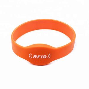 China 13.56mhz RFID Wristband Manufacturer
