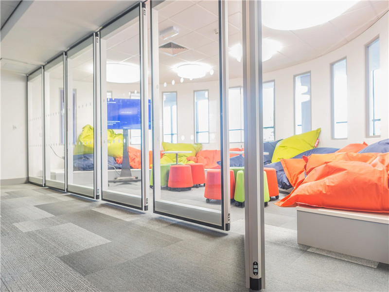 GLS-G65 Folding office glass partition
