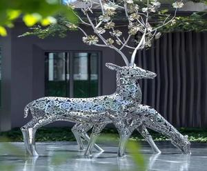 Customized metal animal sculptures for the garden decoration