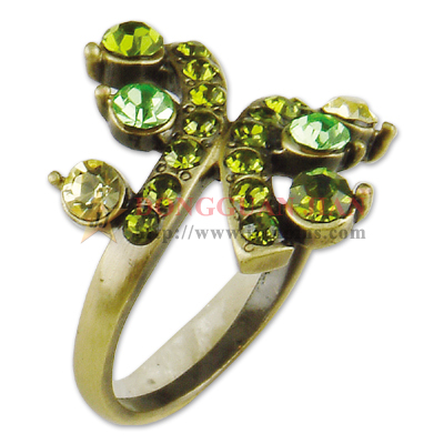 jewelry rings with rhinestones
